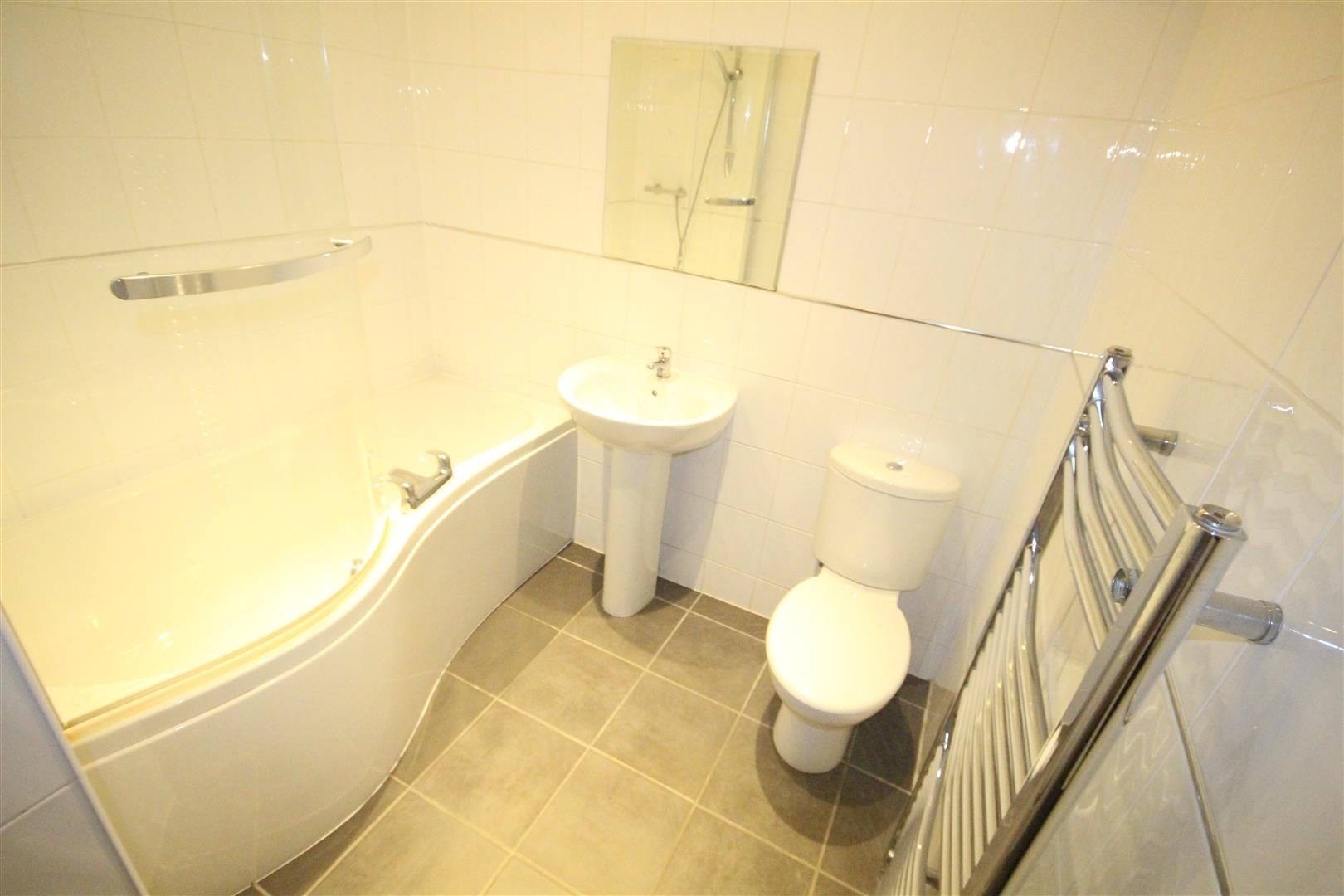 2 bedroom apartment For Sale in Colne - IMG_3462.jpg